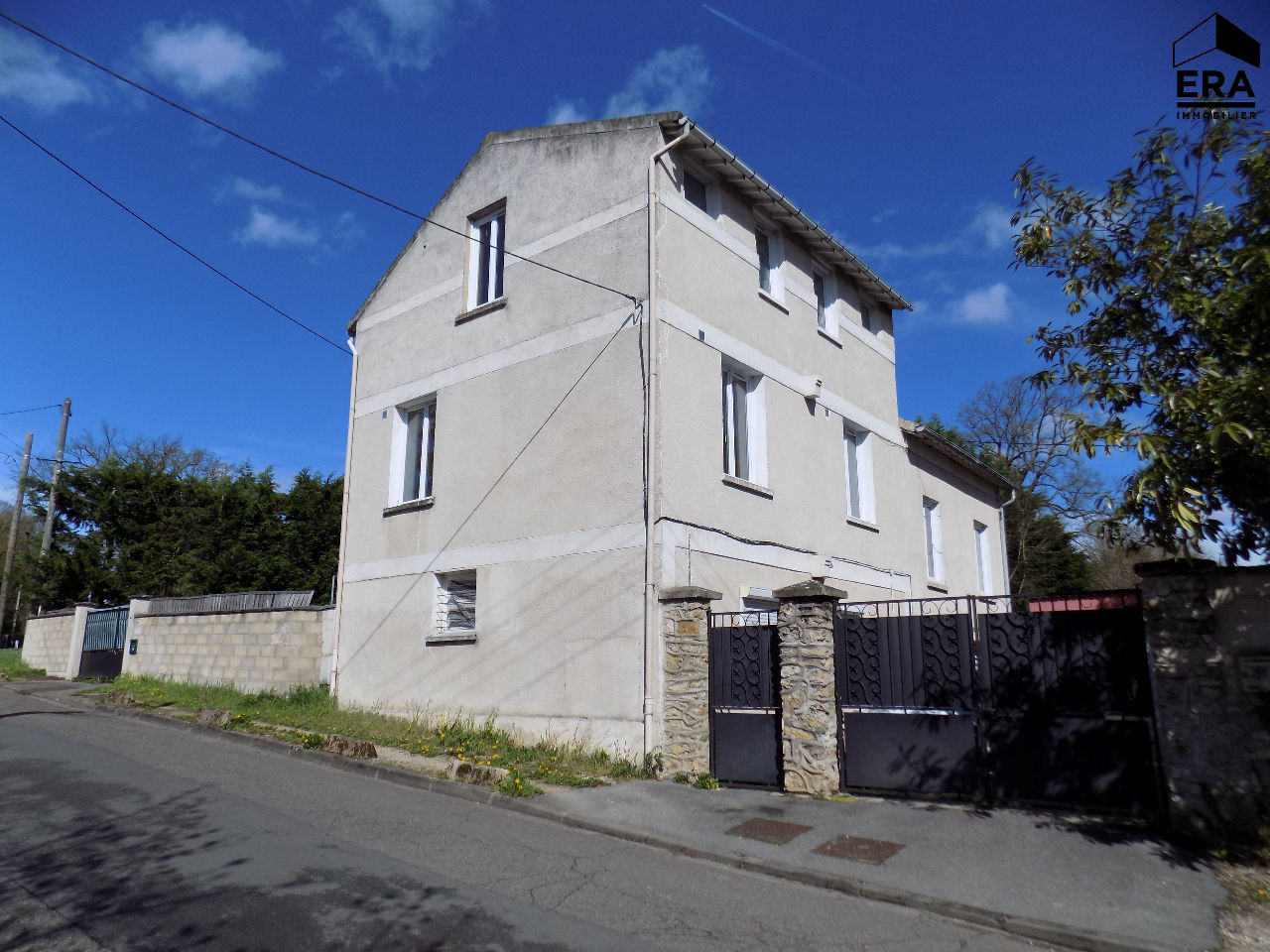 Ensemble immobilier Saint Fargeau Ponthierry 6 appartements